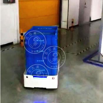 激光AGV与卷闸门自动对接的运用视频