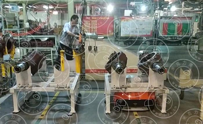 AGV机器人运输物件