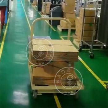 「上海AGV案例」牵引式AGV小车自动运送物料视频